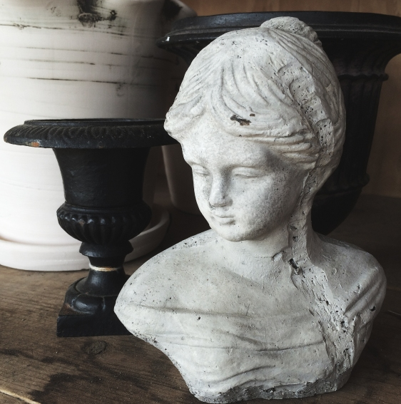 bust of girl