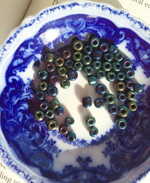 beads-in-blue-dish